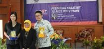 "Seminar Nasional Pasar Modal ""Preparing Strategy to face Our Future"""