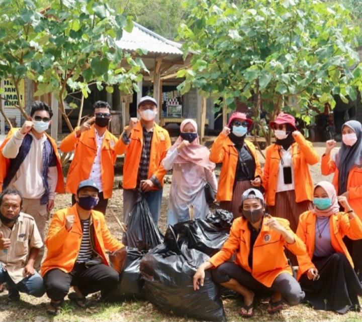 Mahasiswa Akuntansi UAD Peduli Lingkungan