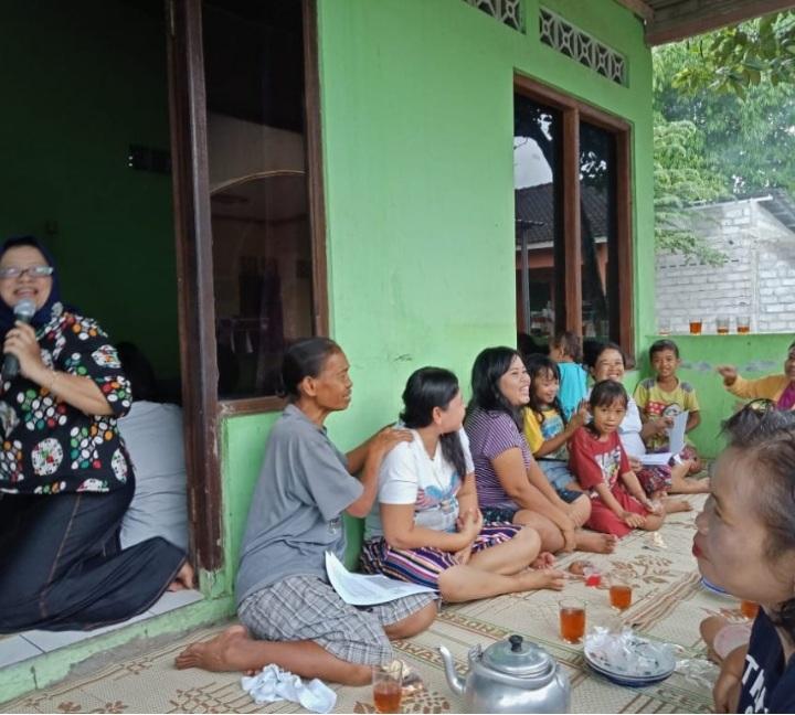FEB UAD Bergerak Cegah Perempuan Menjadi Korban Investasi Bodong