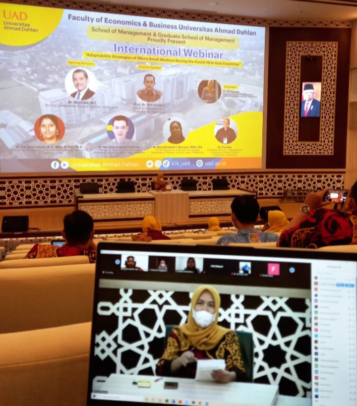 "International Webinar FEB UAD ""Melibatkan 9 Negara"""